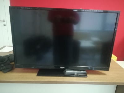 LED TV-PHILIPS 32PFL3008H/12