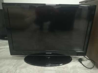 LED TV-SAMSUNG LE37A552P3R